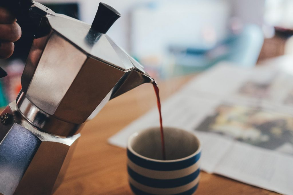 How does coffee percolator work?