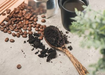 How To Dry And Store Used Coffee Grounds?